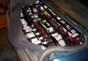 الدرك الملكي بإقليم الحوز ينجح في اعتقال (امباركة) أكبر مروجة للمشروبات الكحولية المهربة بالمنطقة