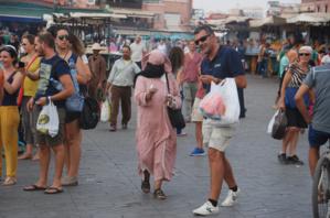ويتواصل استهداف السياح بمراكش...لص يَنقضُّ على سائح اسباني وزوجته بحي القنارية بمراكش ومواطنون يحبطون مسعاه