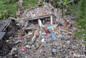 زالزال يخلف 876 قتيلا والحصيلة مرشحة للارتفاع بالنيپال