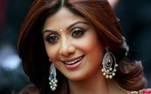قناع العروس الهندية: لبشرة أكثر توهجاً وخالية من الشعر