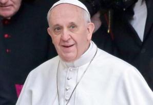 البابا يندد