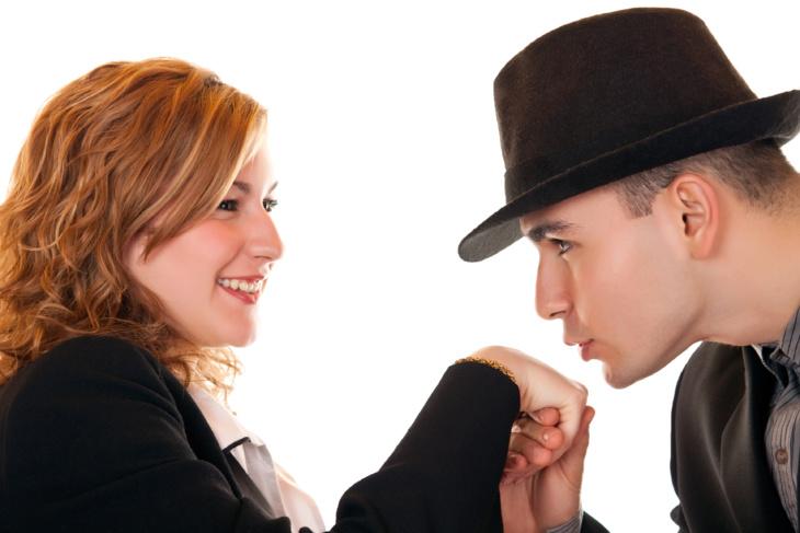 للنساء فقط !!: أشهر حيل الرجال للإيقاع بالنساء