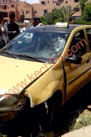 سيارة أجرة صغيرة تتسبب في جروح خطيرة لطالب جامعي بمراكش + صورة حصرية