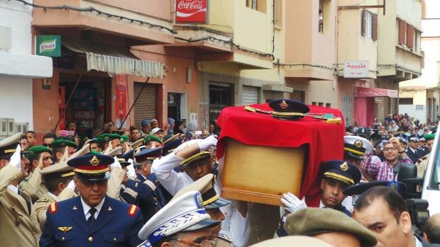 جثمان الطيار الملازم ياسين بحتي يصل مثواه الاخير بالدارالبيضاء + صور
