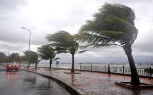 نشرة إنذارية: أمطار عاصفية قوية مصحوبة بتساقط البرد ابتداء من اليوم الجمعة بهذه المناطق