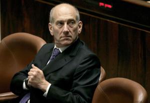 الحكم على رئيس الوزراء الاسرائيلي السابق اولمرت بالسجن 8 اشهر بتهمة الفساد