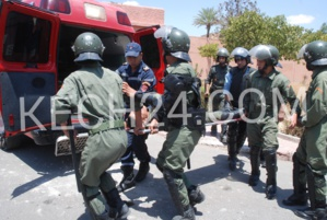 عاجل: نقل 14 عنصرا من الأمن إلى المستعجلات وفق آخر حصيلة للمواجهات بين الطلبة وقوات الأمن بالمحيط الجامعي + صور حصرية