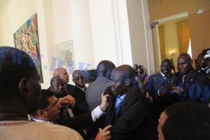 هذا ما قررته مديرية العدل العسكري بشأن قبطان الدرك الملكي الذي تسبب في اندلاع عراك بين الحرس الملكي وحراس الرئيس السنغالي