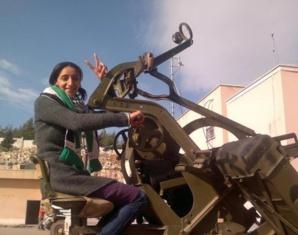 مغربية تنقذ مئات اللاجئين السوريين المهددين بالموت في البح