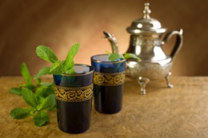 هكذا يحافظ الشاي على جمال البشرة والشعر