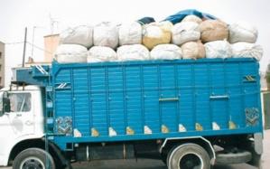 عاجل: حجز شاحنة محملة بأطنان من المواد الغدائية المهربة بسيدي يوسف بن علي بمراكش