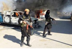 مسلحون يقتحمون قنصلية تونس بطرابلس ويحتجزون عشرة موظفين