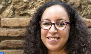 الكاتبة المغربية الأصل نجاة الهاشمي تحصل على جائزة رفيعة في الأدب الكاطالوني