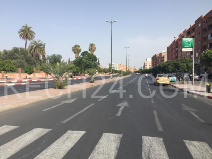 الحرارة في مراكش تتجاوز 48 درجة وهكذا بدت شوارع الحمراء + صور