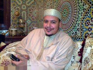 إبعاد الشيخ المراكشي عمر القزابري عن إمامة الملك ليلة القدر وتعويضه بالكوشي