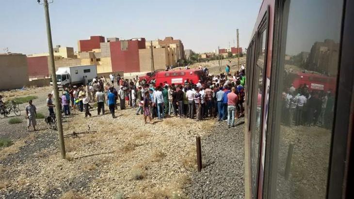 فتاة تضع حدا لحياتها برمي نفسها أمام قطار...هافين وكيفاش + صور