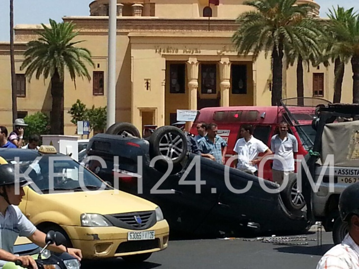انقلاب سيارة عنصر من الدرك الملكي بمراكش + صورة حصرية