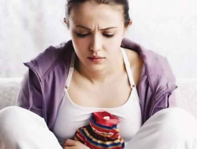 للنساء فقط !!: 10 أعراض لإقتراب الدورة الشهرية