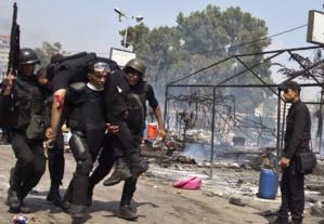 مصر: إصابة 18 شرطيا في انفجار عبوة ناسفة في شمال سيناء