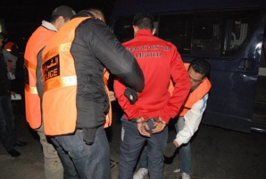 اعتقال شخص اعتدى على أحد عناصر الأمن الوطني بقنينة مولوتوف حارقة...هافين وكيفاش