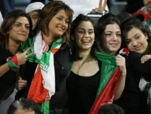 تسريح 47000 امرأة عاملة في ايران بعد عودتهن من اجازة الولادة