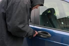 مهاجر مغربي يتعرض لسرقة سيارته بحي الداوديات بمراكش
