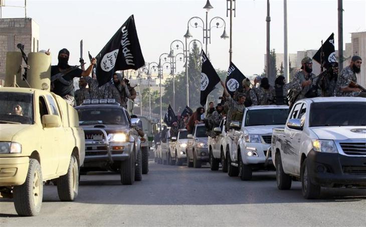 37 قتيلا في اشتباكات بين الدولة الإسلامية وجماعة منافسة في ليبيا