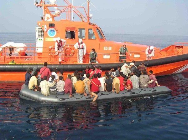 ايطاليا تنقذ أكثر من 4400 مهاجر غير شرعي في عرض الأبيض المتوسط خلال يوم واحد