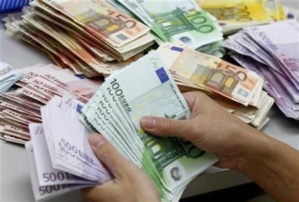 تحويلات المغاربة المقيمين بالخارج ترتفع بنسبة 5,5 بالمائة
