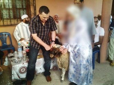 في بادرة إنسانية توزيع أضاحي العيد على أسر معوزة بتسلطانت مراكش