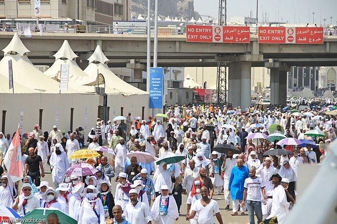 مئات الاف الحجاج يستعدون لمغادرة مكة بعد انتهاء مناسك الحج