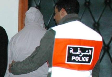 القبض على خمسة أفراد من العصابة المتهمة بقتل شاب وتشويه جثته