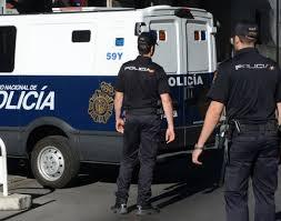 توقيف 20 مغربيا إثر تفكيك شبكة متخصصة في تهريب المخدرات والسرقة بالعنف بإسبانيا