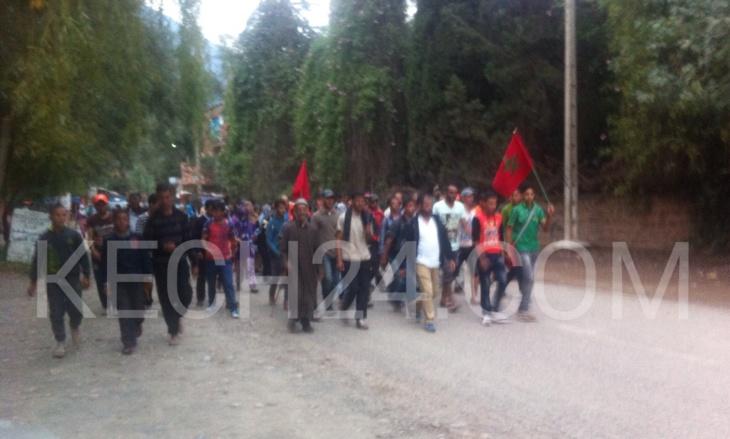 عاجل: الصراع على الماء يُخرِج مواطنين بجماعة ستي فاظمة بإقليم الحوز في مسيرة احتجاجية + صورة