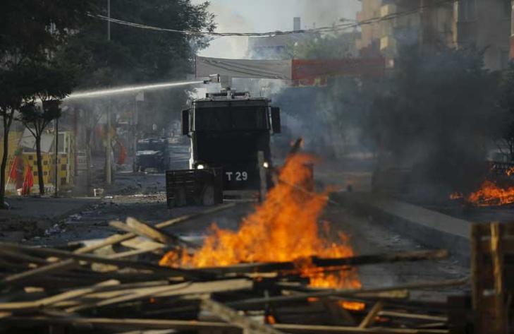 30 قتيلاً في انفجار ضخم يهز أنقرة.. واشتباه في عملية انتحارية