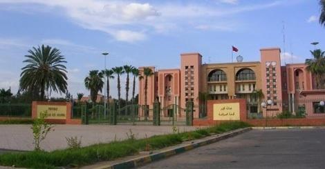 حصري: فرقة أمنية تستمع لرئيس بلدية قلعة السراغنة و