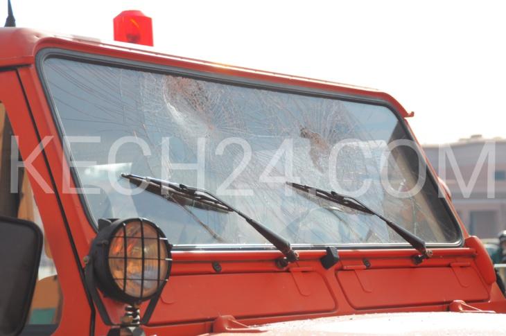 حصري: مجهول يهشم زجاج سيارات أمام مبنى الدائرة الأمنية بجامع بمراكش ويلوذ بالفرار + صور