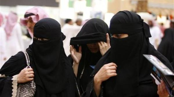 السعوديات يشاركن لأول مرة في حملة انتخابات المجالس البلدية بالمملكة