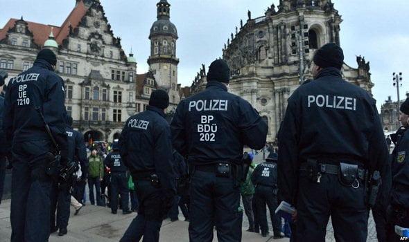 الكشف عن مخطط لسوريين وعراقيين للقيام بهجوم إرهابي بألمانيا عشية رأس السنة
