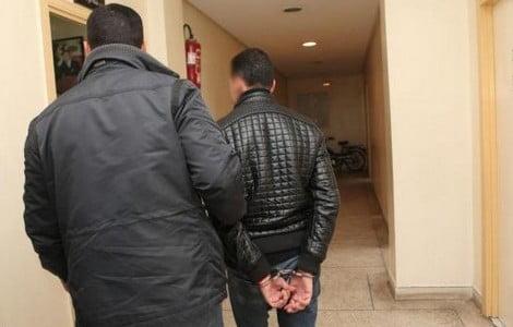"""اعتقال """"حلاق"""" عشريني متهم بالتغرير بفتاة قاصر من شيشاوة"""