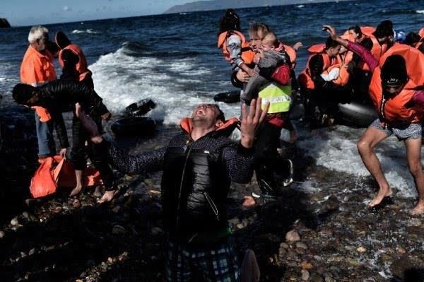 انقاذ 57 مهاجرا في تركيا كانوا عالقين قبالة جزيرة في بحر ايجه
