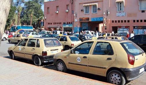 سيارات الأجرة الصغيرة تشكل تنسيقية للتصدي لشركة