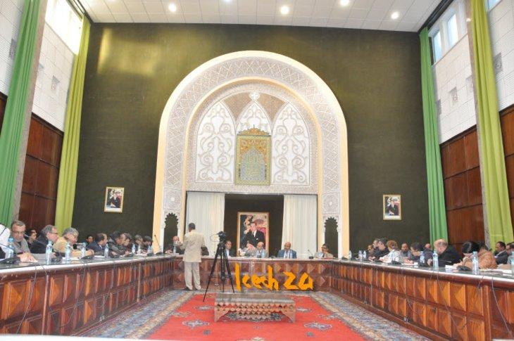 مداخلة تتهم عمدة مراكش بمناهضة التعليم تشعل قاعة القصر البلدي خلال ندوة صحافية