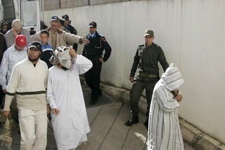 التحقيق مع 80 معتقلا سلفيا بسبب الإشادة بهجمات باريس الإرهابية