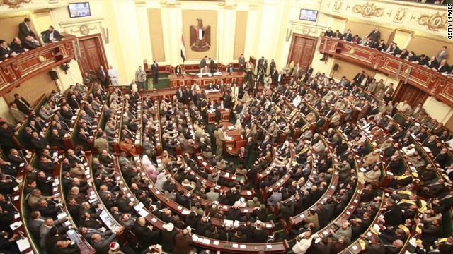انتخاب علي عبد العال أستاذ القانون الدستوري رئيسا للبرلمان المصري الجديد