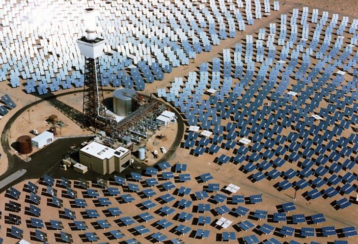 صحيفة أمريكية: مجمع الطاقة الشمسية بوارزازات هو الأكبر في العالم