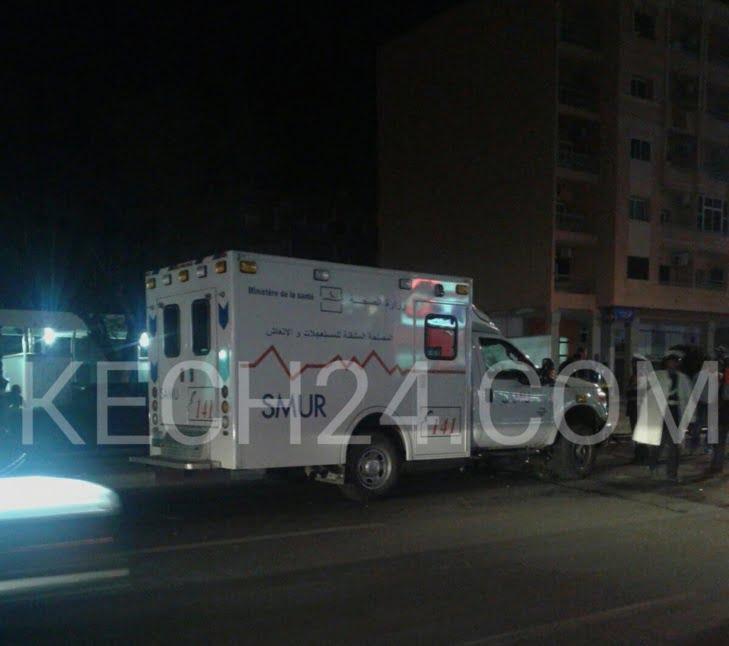 سيارة تابعة للوحدة المتنقلة للمستعجلات والانعاش كادت تتسبب في كارثة وسط جليز بمراكش+ صور حصرية