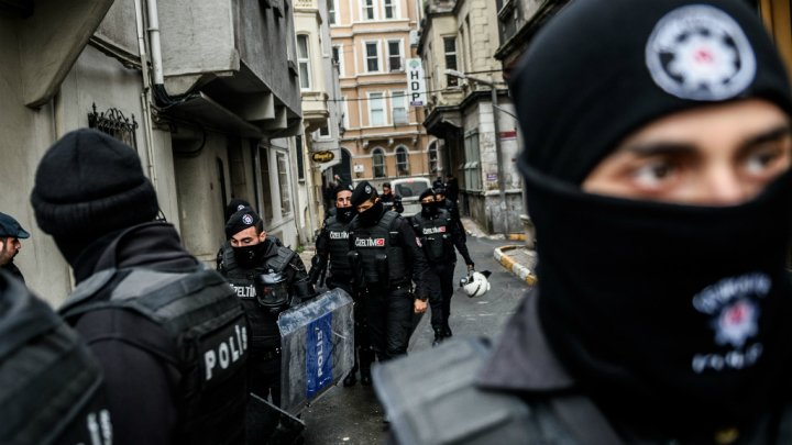 تركيا تعتقل ثلاثة روس مشتبه بهم في تفجير إسطنبول الانتحاري