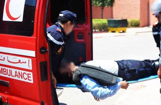 خطاف يدهش شرطي مرور ويجره لمسافة 100 متر