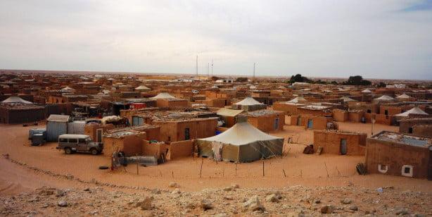 تظاهر المئات بإسبانيا من أجل الافراج عن شابة صحراوية محتجزة بمخيمات تندوف